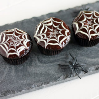 Tutorial: Chocolate Ganache Spider Webs